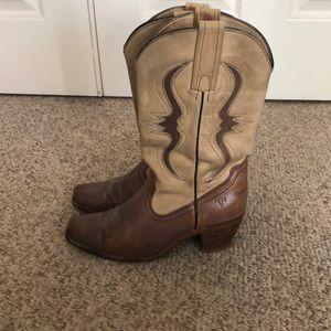 Vintage Frye Beige & brown western boho boots 7.5-